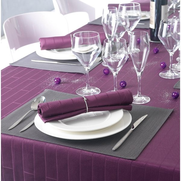 1000 images about une jolie table aubergine on pinterest plumeria flowers purple and flute. Black Bedroom Furniture Sets. Home Design Ideas