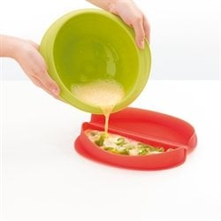 Cuit-omelette micro-ondes en silicone Lekue